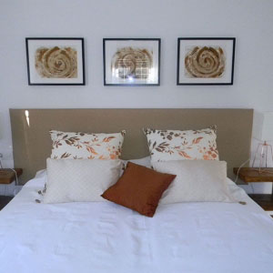 gavina mar room caramel bed